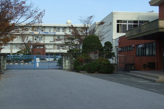 一宮市立木曽川中学校