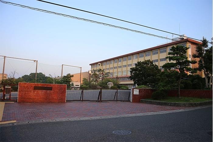 愛知県立鳴海高等学校