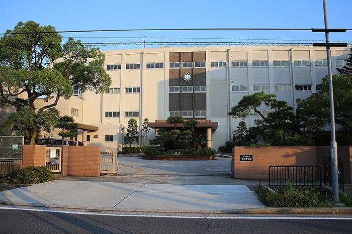 名古屋市立鳴海中学校